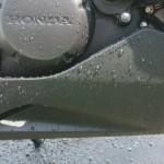 ガラスコーティングの水弾き、撥水効果を検証!水の流れ方の動画あり