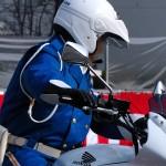 バイク用ヘルメットの選び方と特徴 激安モデルの安全性はいかに?なぜ白バイ隊員はジェットヘルなのか?