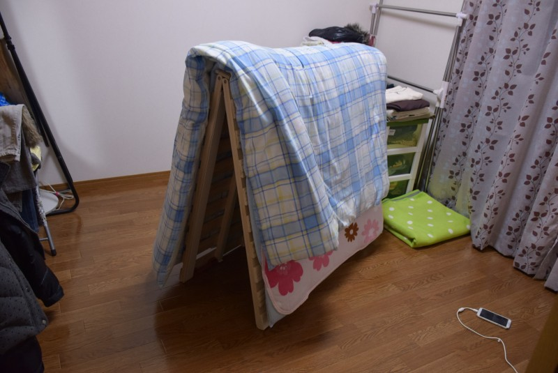 バネ付きすのこベッド』がオススメ!フローリングの結露とカビ対策に