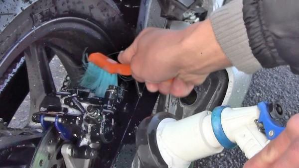 キャリパー洗車