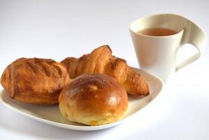 パンと紅茶画像