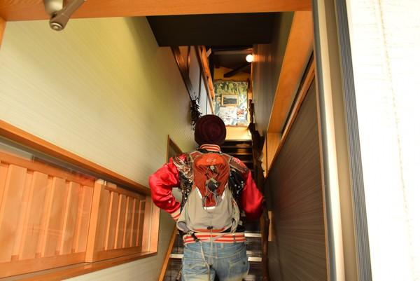 忠左衛門カフェ二階へ
