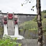 【ダムカード高知県】鏡ダム!桜と赤いゲートが超キレイ!銀色のダムカードをもらってきた