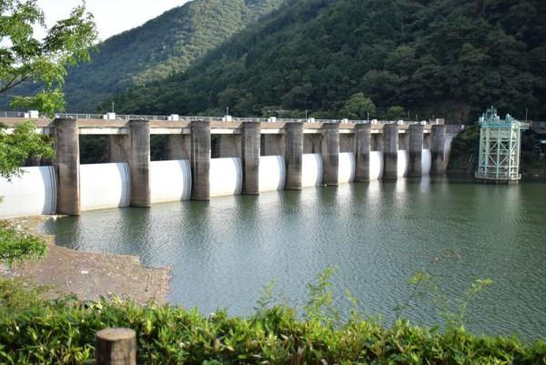 10連ラジアルゲート 旭川ダム
