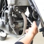 バイクのマフラー交換で絶対失敗しない方法と必要な物!CBR125RとWR'Sマフラーで取り付け手順の紹介