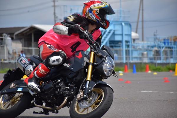 トライジムカーナ バイク 練習 大会