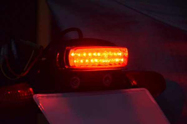 エーテック フェンダーレス VTR250 点灯