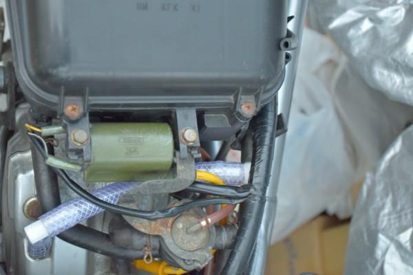 KTM 内圧コントロールバルブ ブローバイホース VTR250