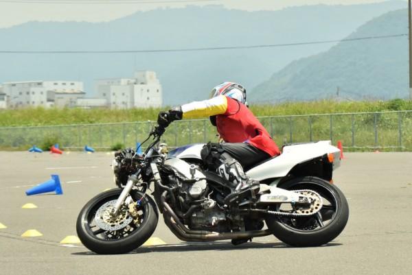 CBR400RR ジムカーナ
