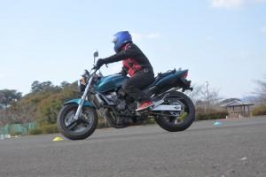 バイク 練習 ホーネット