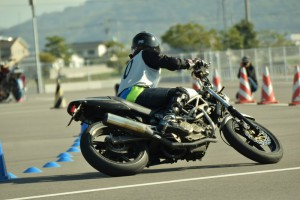 VTR 250 ジムカーナ