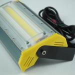 自宅ガレージにLED投光器取り付け!ライトの明るさ比較