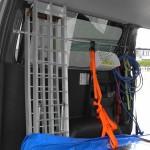 ハイエース荷室に自作サイドバー(ステンレスパイプ)取り付け!トランポでのラダー引っ掛けに便利