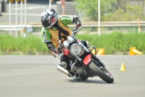 トライジムカーナ 大会 バイク