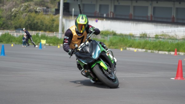 バイク Ninja1000 バンク
