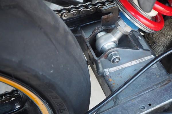 スイングアームショート加工 タイヤ