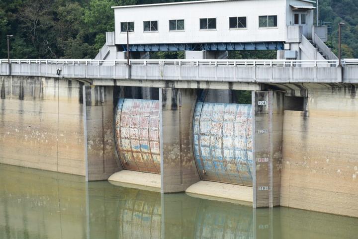 長柄ダム テンターゲート