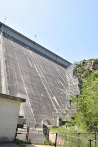 吉田ダムの高さ
