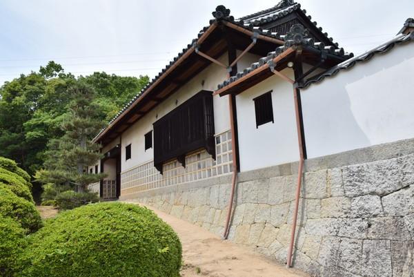 五風十雨の白壁