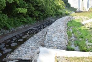 内海ダム~の水の流れ