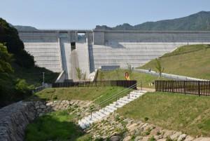 内海ダム遠景2