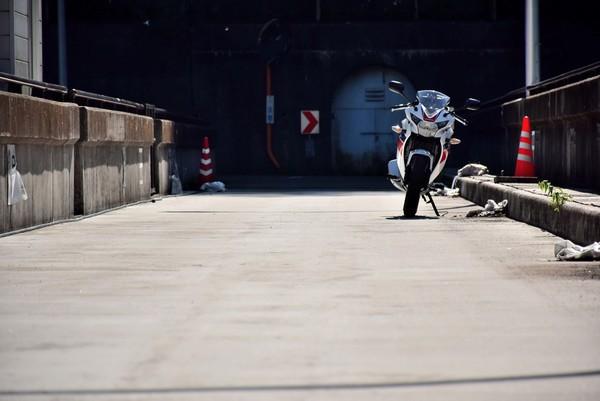 新宮ダムとバイク