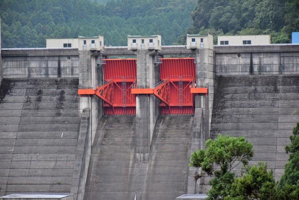 ラジアルゲート ダム
