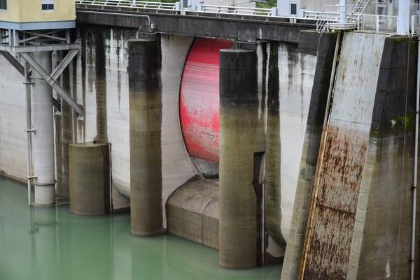 ラジアルゲート 鏡ダム
