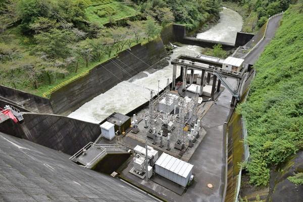 鏡ダム 発電所