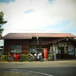 """鳥取県""""隼駅""""にバイクが集まる!ライダーの聖地、隣の売店情報と隼まつりの紹介"""