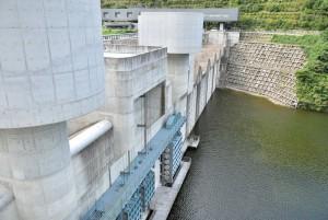苫田ダム 展望台から
