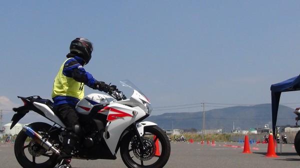 香川 バイク ジムカーナ 練習