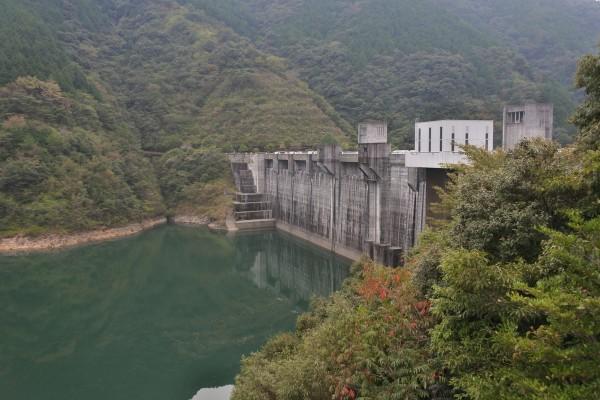 中筋川ダム 堤体 ダム湖
