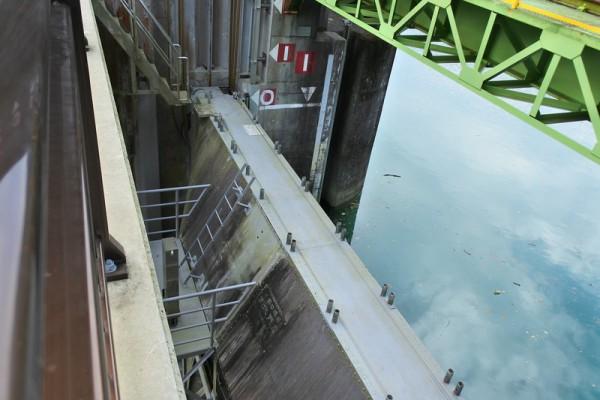 大型のローラーゲート