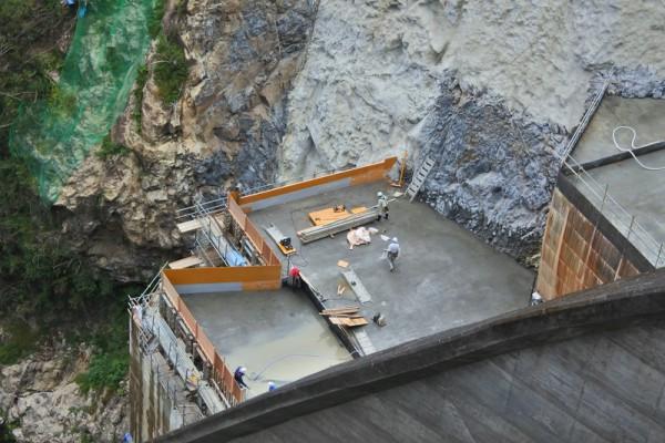 川口ダム 改造