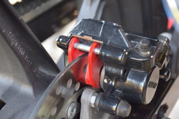 CBR125R リアブレーキパッド 赤パッド