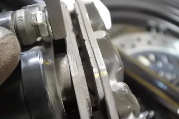 CBR125R ブレーキパッド 交換