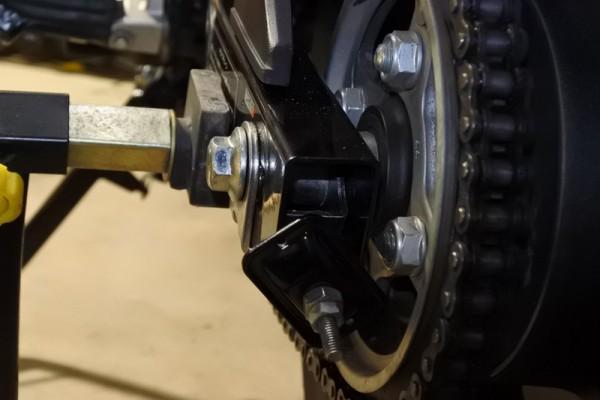 スプロケ交換 バイク CBR125R リアタイヤ