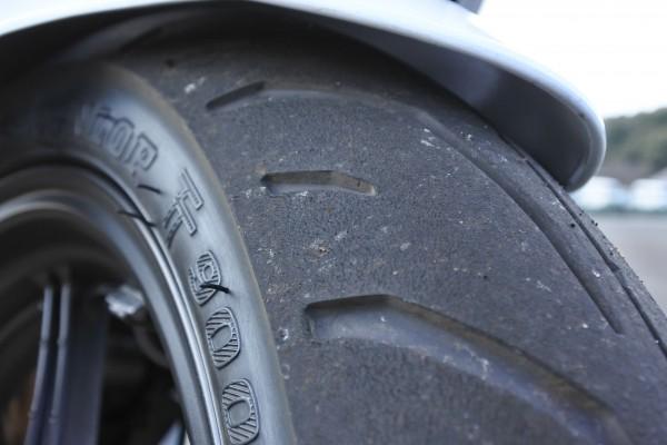 TT900GP フロントタイヤ CBR125R