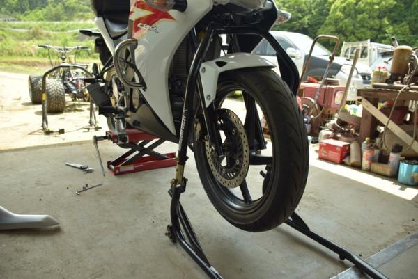 バイク フロントスタンド CBR125R