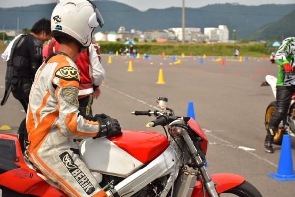 ジムカーナ 香川 NSR 大会