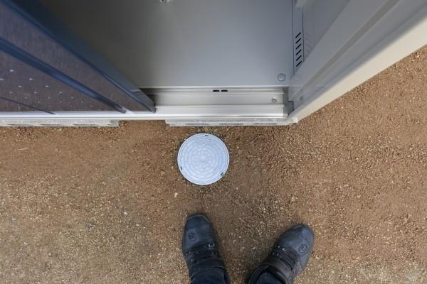 ガレージ 新築 荷物 倉庫 物置き バイク 青空整備 整備 浄化槽 蓋
