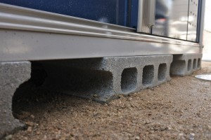 物置き設置 タクボ ガレージ 土台 コンクリートブロック 新築 整備 バイク 荷物