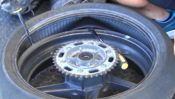 バイク タイヤ交換 手組み 外し方