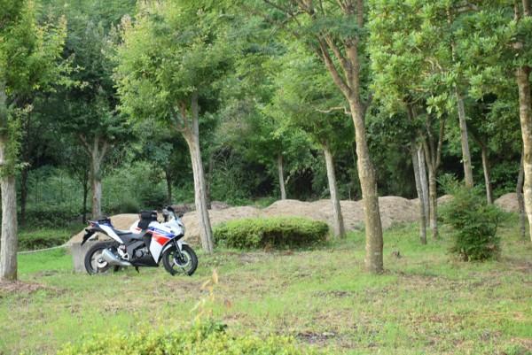 バイク 悪路 山 ツーリング