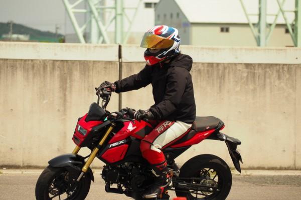 ライディングポジション バイク