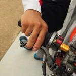 バイクジムカーナ、ブレーキレバーの選び方と比較 握り方はどうする?