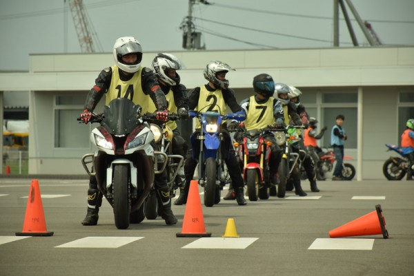ジムカーナ バイク練習