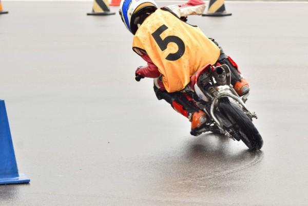 バイク 雨
