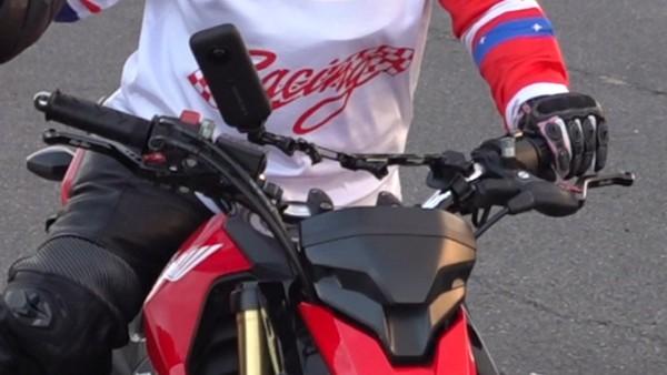 インスタ360 カメラ バイク取り付け